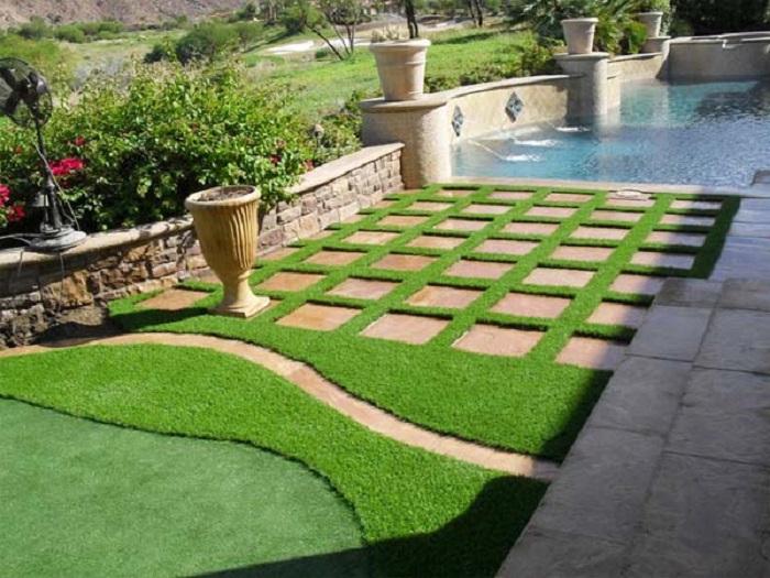 Cỏ nhân tạo tạo điểm nhấn cho sân vườn