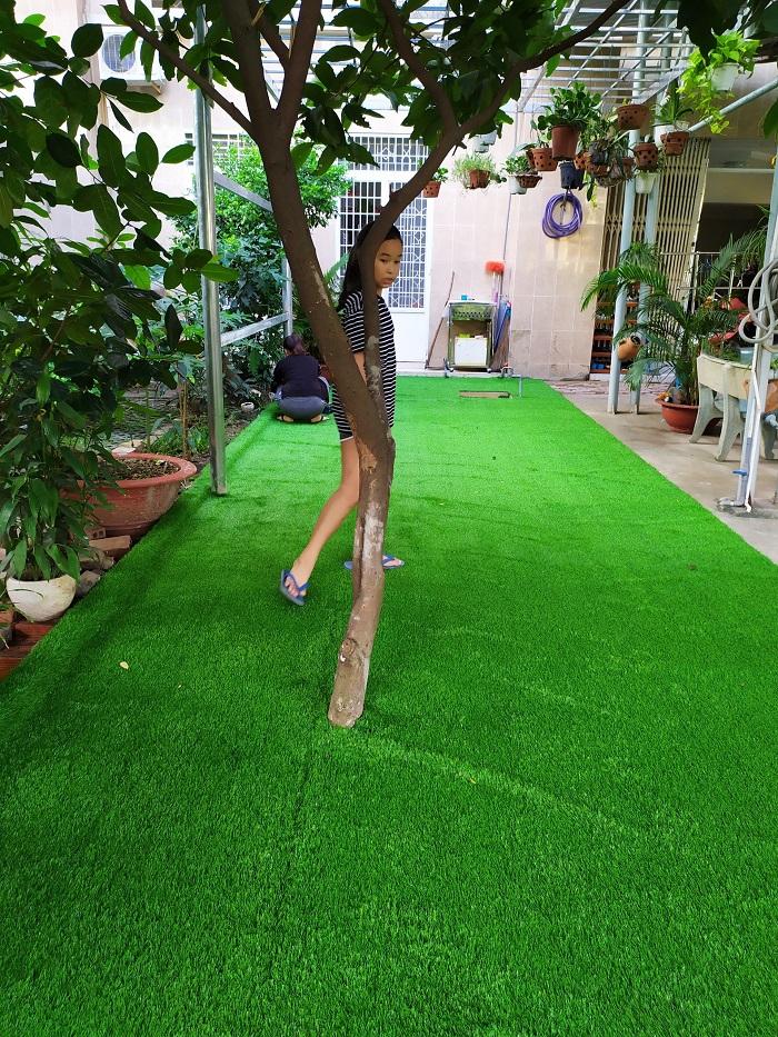Thảm cỏ nhựa nguyên sinh cho sân vườn cực đẹp