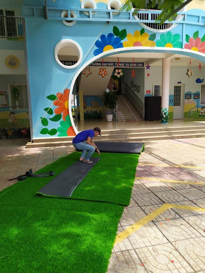 Hoa Thịnh Phát thi công cỏ nhựa cho trường mầm non